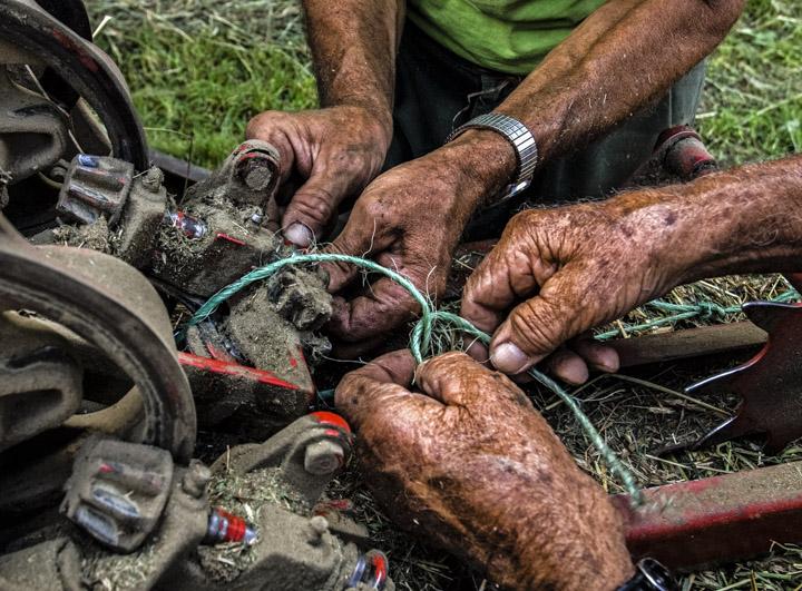 hands fixing